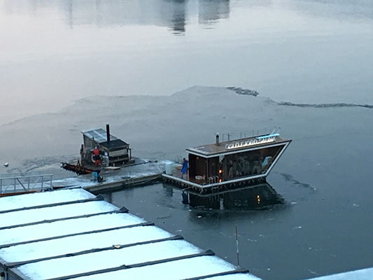 Oslo Sauna im Fjord auf dem Wasser