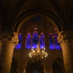 Notre Dame Paris innen Kronleuchter