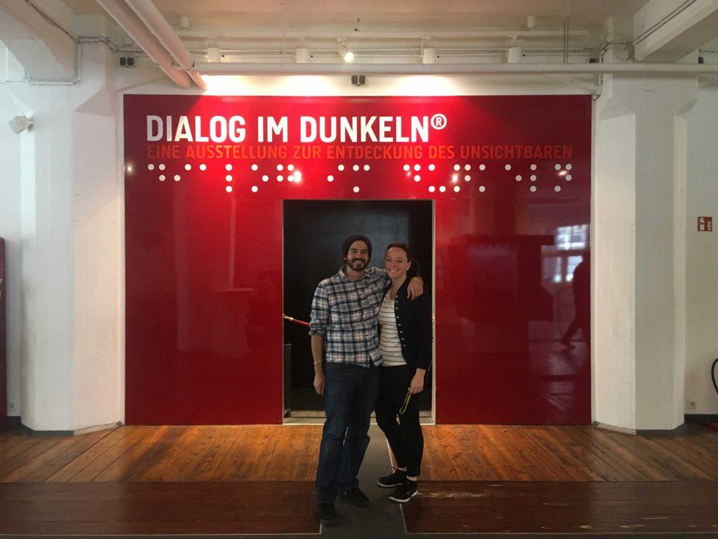 Dialogmuseum-Hamburg-Dialog-im-Dunkeln