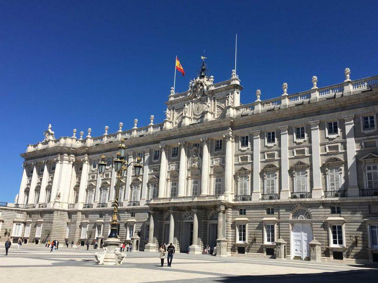 Königspalast-von-außen