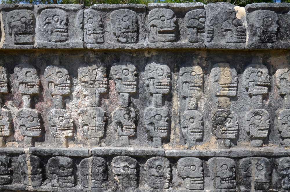 Schädelmauer