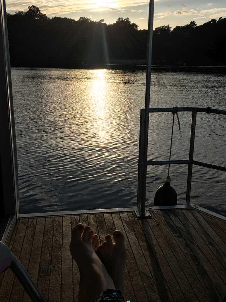 Ausblick-in-den-Sonnenuntergang