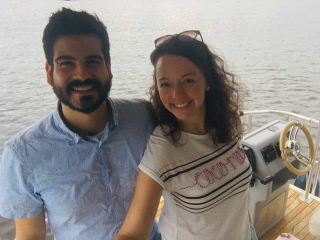 Paar-auf-dem-Hausboot